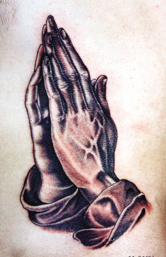 nina8818jg: Praying hands
