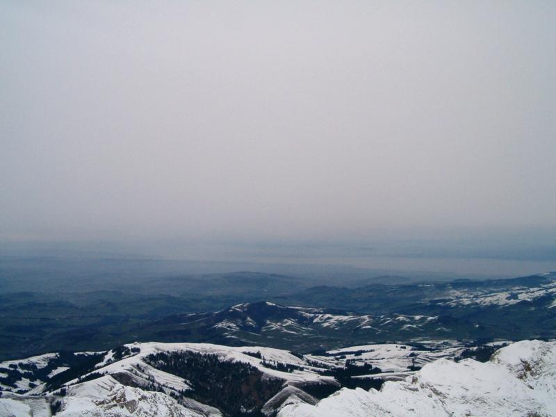 Bodensee unter der Hochnebeldecke