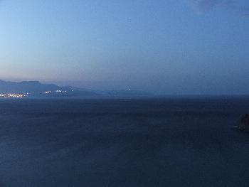 Blick auf die Istron-Bucht bei Nacht 2