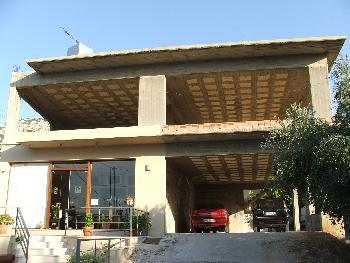Unfertiges Haus (Istron)