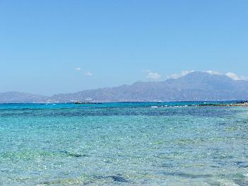 Karibisches Feeling auf I. Chrissi (Südliches Gebirge von Kreta im Hintergrund)