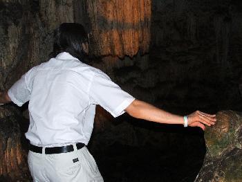 Dahinter besteht Lebensgefahr (Melidoni-Höhle, 12.09.2005)