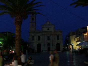 Wichtigste Kirche in Chania bei Nacht