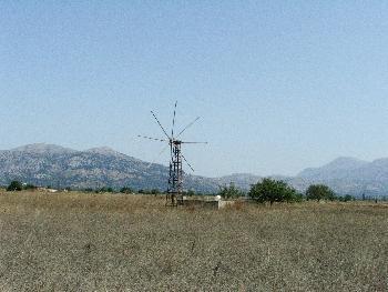 Eine der zahlreichen Mühlen des Lasithia-Plateau