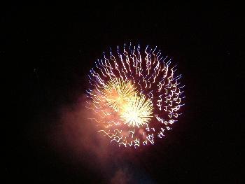Feuerwerk bei der Beachparty 1 ...