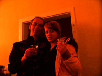 meine Tochter & ich, Sylvester 04, weit nach 12  ;-))