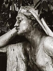 Entspannende Statue