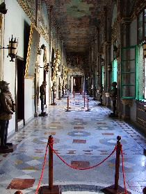 Rüstungsgang im Grandmasters Palace