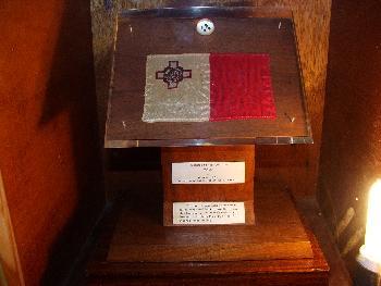 Mondgestein und Flagge, Folkloremuseum Victoria