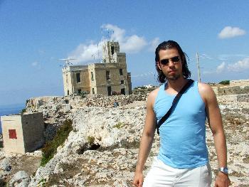 Bei einer Radarstation der maltesichen Armee