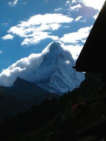 Erster Blick von Zermatt aufs Matterhorn