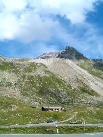 An der Flüelapassstraße, Blick zum Wisshorn (südlichster Berg der Silvretta)