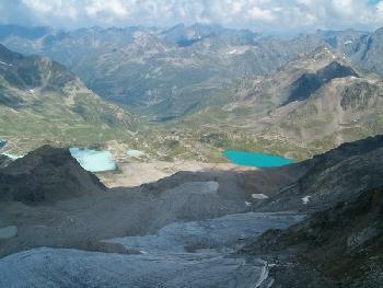 Nochmal die Jöriseen, im Vordergrund die kümmerlichen Reste des Jörigletschers