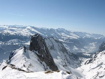 Rückblick ins Tal & Glarner Alpen