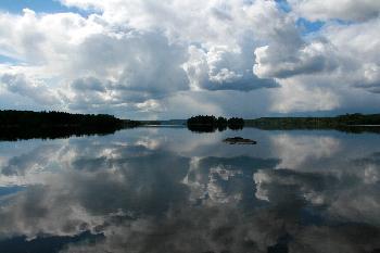 Wolkenspiegelung am Lelang