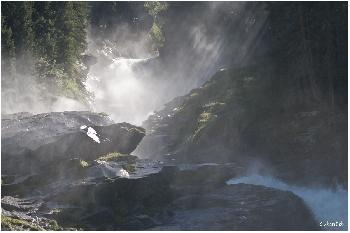 Am Fusse des Wasserfalls