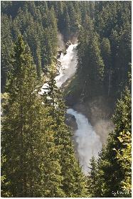 Wasserfall aus der Ferne betrachtet