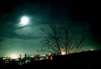 Industrieanlagen bei Nacht, Langzeitbelichtung