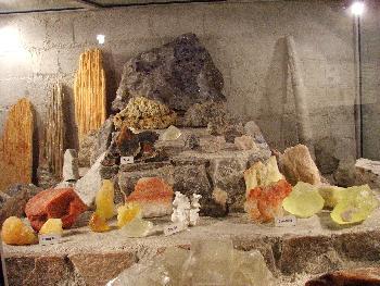 Gesteinsarten, die im Bergwerk vorkommen