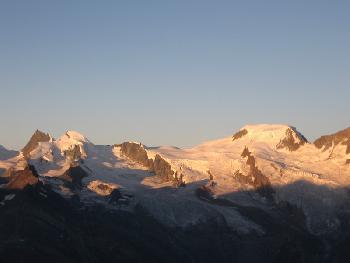 Sonnenaufgang - Allalinhorn und Alphubel schon im Licht