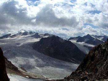 13. Wildspitze (3768m) von Bergrand in der Nähe des Tiefenbachkogel gesehen